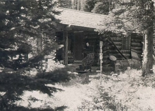 Sun Camp Fireguard Cabin - Glacier - USA