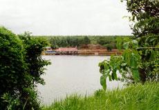 Suoi Lam Lake