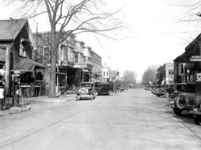 Syracuse  Indiana  Main  Street 0 2