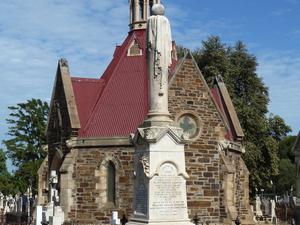 West Terrace Cementerio