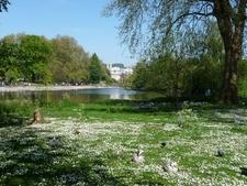 St . James's Park