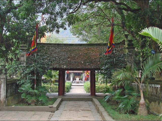 Hoa Lu - Thung Nhang Full Day Tour Photos