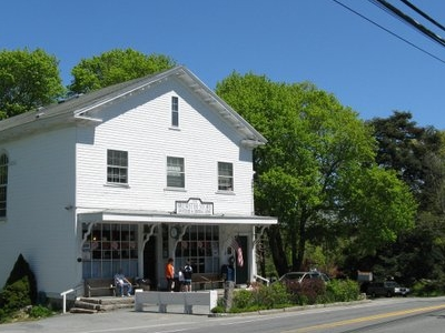 The  Brewster  Store  Brewster