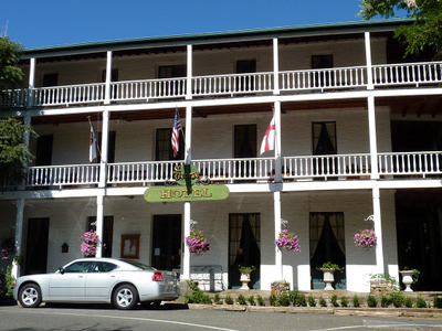 The Landmark St. George Hotel In Volcano