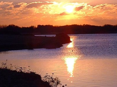 The  Kenfig  Pool At  Sunset