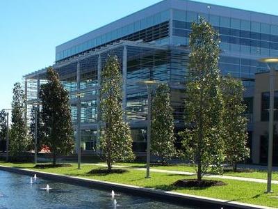 U T  Dallas  Student  Service  Building