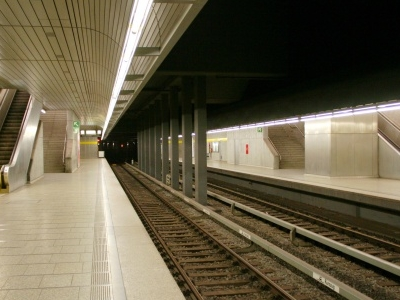 Richard-Strauss-Straße Station