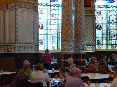 Victoria And Albert Museum: V&A Café