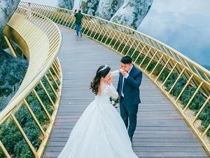 Golden Bridge Tour In Da Nang Fotos