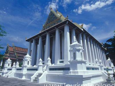 Wat Chaloem Phra Kiat