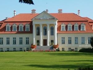 Palacio neoclásico Winna Gora