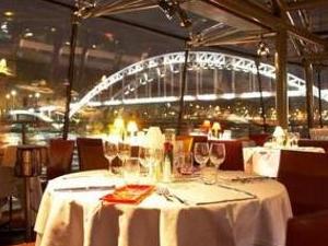 Dinner Cruise On the Seine River - 8:30pm - SERVICE PRIVILÈGE Photos