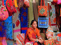 Full Day Delhi shopping tour with shopping expert Guide and Mouthwatering food.