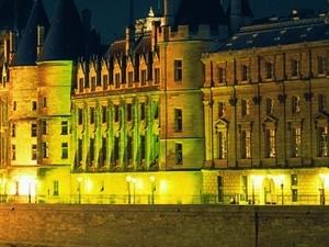 Paris by Night : Cruise, City Tour & Eiffel Tower - CIT Photos