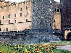 Walking passeggiata tra piazze e monumenti del centro storico di Napoli Photos