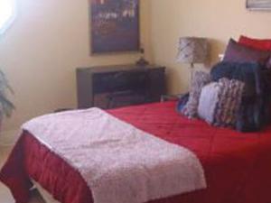 3 furnised bedrooms ...