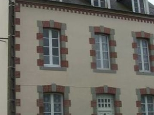 Comfortable home central Mayenne