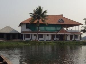 Exotic Homestay in Kerala Backwater