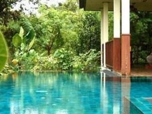 Gecko Villa: Pool & Thai Food