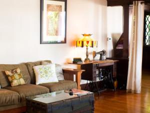 Spacious Antique Home & Comforts!