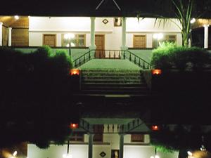 Backwater Retreat - The Theme House