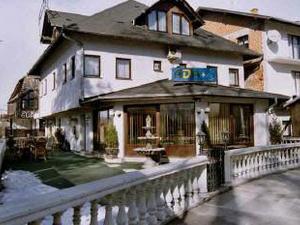 Hotel Ada S