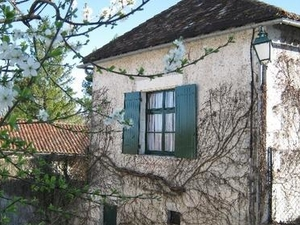 Maison aux Volets Verts