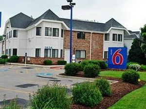 Motel 6 Chicago North - Glenview