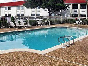 Motel 6 Hobby