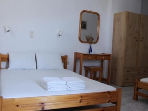Oasis Rooms - Syros