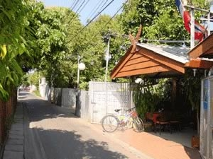 Yourhouse Guesthouse