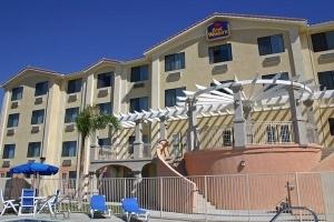Best Western Plus Lake Elsinore Inn & Suites