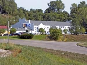 Best Western Rivertown Inn