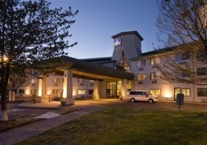 Best Western Inn At The Meadows