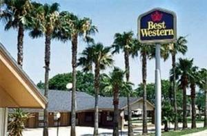 Best Western Inn By The Lake