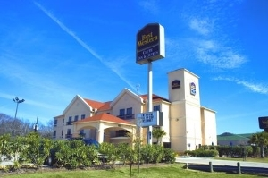 Best Western Clute Inn And Ste