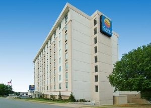 Comfort Inn & Suites Downtown at the Clinton Library