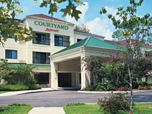 Courtyard Des Moines West/Jordan Creek