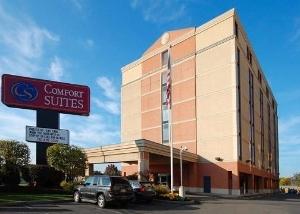 Comfort Suites Woodbridge
