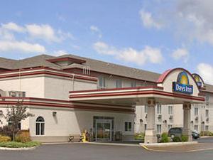 Days Inn Suites Thunder Bay