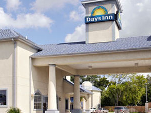 Days Inn And Suites Houston Channelview TX