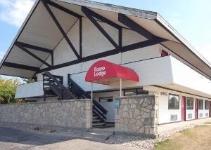 Econo Lodge Holland
