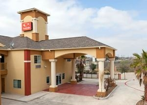 Econo Lodge Inn And Suites Ba