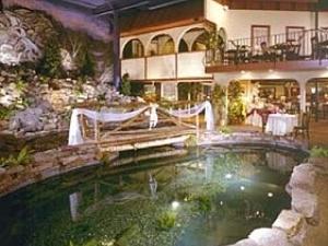 Longfellows Hotel And Restaura