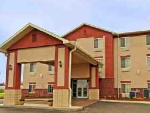 Paola Inn And Suites