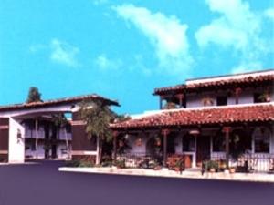 Casa Via Mar Inn & Tennis Club