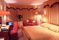Elpida Hotel