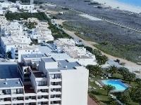 Dom Pedro Meia Praia Beach Clu