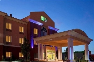 Holiday Inn Express & Suites Reno