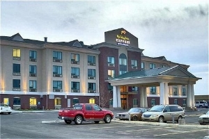Holiday Inn Exp And Stes